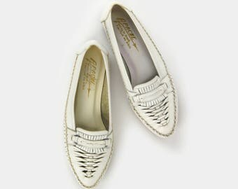 White Leather Huarache Flats / Vintage Woven Slip on Flat Shoes Women size 8 / Leather Loafers Made in Brazil / Spring Summer Fashion