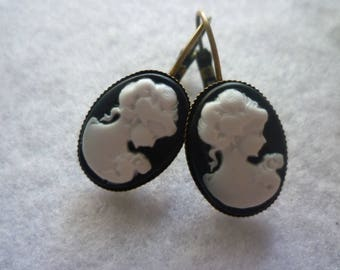 Earrings cameo black & bronze