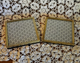 Set of 2 Vintage Square Picture Frames, Square Metal Picture Frames, 5 x 5 in.