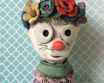 Frida Catlo // Cat Planter // Frida // Flower crown // small // Succulent planter // Ceramic // Pottery // Art lover // Home Decor // cute