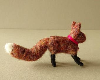 handmade woodland decor, needle felted fox ornament, housewarming gift, little red foxes for nursery, farmhouse kitchen hanging ornaments