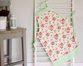 Roses Vintage/Retro Style Full Apron for ladies. Cotton handmade apron