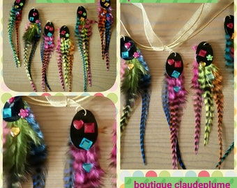 6 multicolored sequins and feather pendants