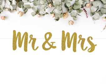 MR & MRS BANNER (S7) - glitter banner / wedding / engagement / bride to be / party decoration / photo prop