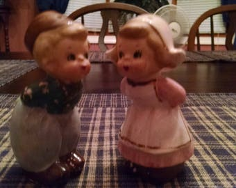 dutch boy and girl salt and pepper shakers made in japan