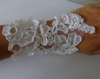 mitten bracelet lace soft supique wedding show