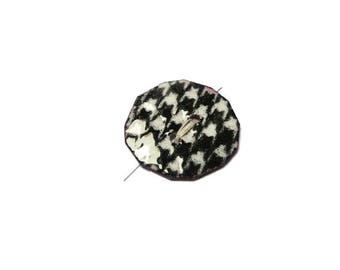 black and white houndstooth foot copper button