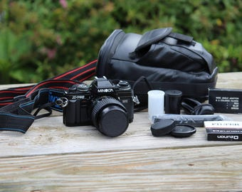 Minolta X-700 35mm SLR Camera, 1:3.5-4.5 f=28-70mm Lens & Accessories
