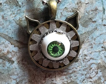 Steampunk Mechanical Eyeball Pendant With Cat Ears