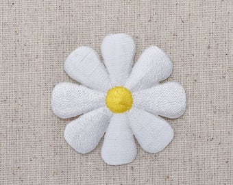 Large - Daisy Flower - White - Iron on Applique - Embroidered Patch - 695073-E