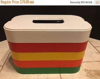 On Sale Ingrid Chicago 5 Plastic Plates Nesting Picnic MCM Stacking Camping Set Colors!