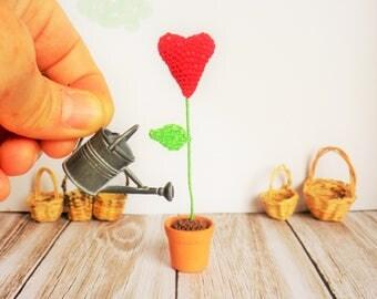 Flower pot hook, pot of heart and home decor, art collection, miniature, Dollhouse