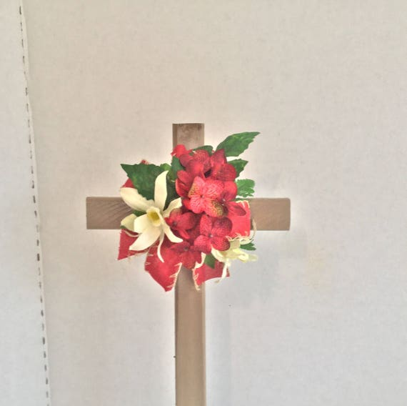 Cemetery flowers, grave decoration, memorial cross, flowered cross, Floralmemorials