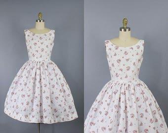 1950s Floral Cotton Dress/ 50s flower print day dress/ Medium (34b/28w)