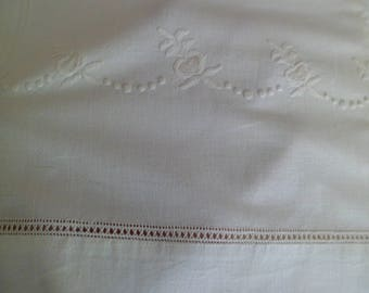 Vintage Old Stock 1940's Fieldcrest Duracale Cotton Full Flat Sheet Lovely Embroidered Design Thread Drawn Hem White 81 x 108