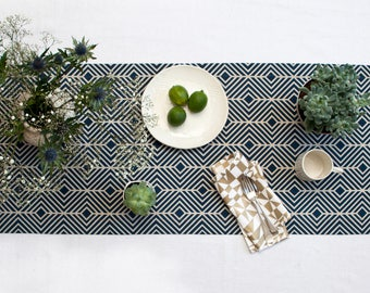 Blue Table Runner / Centrepiece / Table Decor / kitchen and dining / pattern centrepiece / Table decoration / style your table / Home living