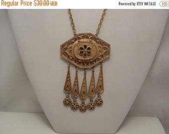 20% Off Sale Vintage Signed Coro Large Gold Flowered Pendant Necklace