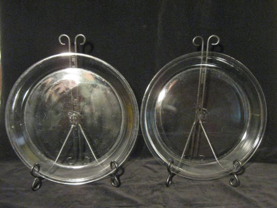 Like this item? & Vintage Pyrex 211 Set of Two 11 Pie Plates Pair of