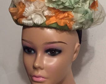 Vintage Hat Cain Sloan Co Nashville Peach Ivory Green Floral Pill Box Hat