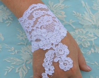 Lace bracelet, cuff wedding lace, re-embroidered lace, embroidered, lace sleeve cuff wedding, Bridal mitten