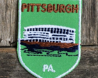 ONLY ONE! Pittsburgh, Pennsylvania Vintage Souvenir Travel Patch from Voyager