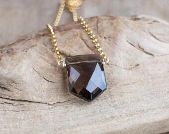 Smoky Quartz Necklace, Geometric Crystal Necklace, Quartz Jewellery, Natural Gemstone Pendant, Smokey Quartz Jewelry, Pentagon Necklace