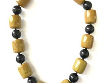 Vintage Bakelite Beaded Necklace