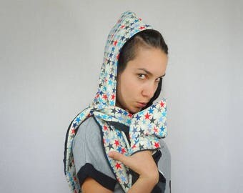 Hoods-scarves patterned multicolored stars