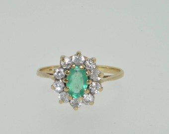 9ct yellow gold green and white cubic zirconia cluster ring size K 1/2 1987