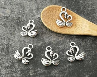 Charms Swan couple, 15 x 13 mm silver-plated bird charm