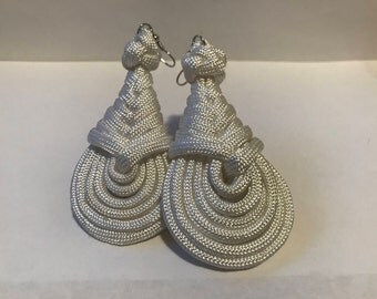 Custom Paracord Pipa Knot Teardrop Earrings