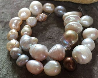 Freshwater pearl strand, mixed pearls, Pearl variety mix