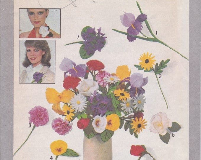 Free Us Ship Simplicity 8331 Bouquet Corsage Vase of Fabric Flowers Uncut Vintage Retro 1970s 70s Fashion Accents