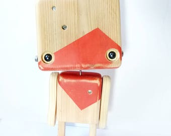 Reclaimed wood - Robot red orange robot