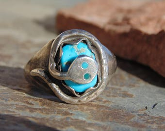 Effie Calavaza ~ Zuni - Vintage Sterling Silver and Snake Wrapped Around Turquoise Stone Ring - Size 7