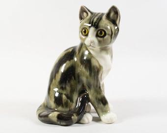 Vaga International cat figurine, Vintage ceramic cat figurine, 80s statue