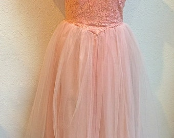 1950s Lace & Tulle Pale Pink Prom Party Dress