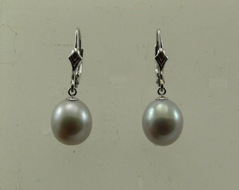 Freshwater Gray Pearl Earring 14k White Gold Lever Back