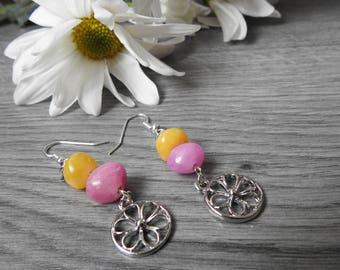 Hippie Flower Earrings - Daisy Dangle Earrings - Stacked Stone Earrings - Silver Daisy Earrings - Flower Power Earrings - Flower Child