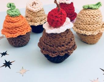 Dinette set dinner table, kids gift, Montessori inspired educational crochet, wool, to assemble cake cupcakes