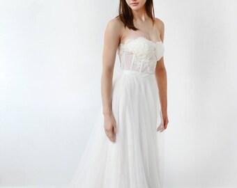 Strapless Bustier Elegant Lace Wedding Dress