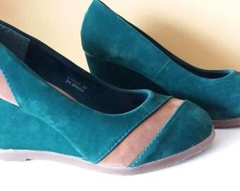 Vintage Heels, Dark Green and Tan Size 5 UK 38 EU