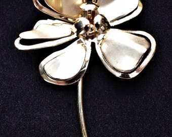 Vintage Metal Flower Statement Brooch Coat Sweater Pin Gold Tone Mid Century Retro Costume Estate Jewelry 3.5""