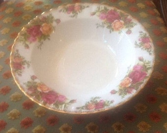 Royal Albert 2nd Quality Old Country Roses Rimmed Soup Bowl