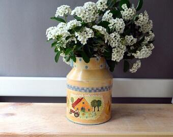 Rooster Metal decorative can, farmhouse cottage decor, table ceterpiece, kitchen storage utencil holder, polka dot flower vase, metal bin