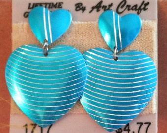 Vintage Blue Double Heart Pierced Earrings