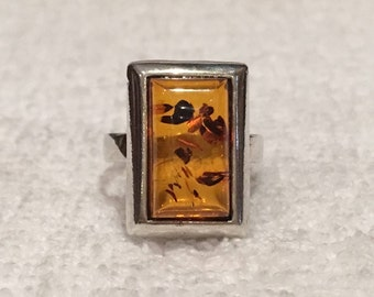 Wonderful Vintage Sterling Silver & AMBER Elongated Ring-Mounted with NATURAL AMBER-Beautiful Rectangular Shape-Uk Size K-Us 5 1/8 -3.95 gms