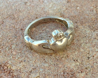 Vintage Promising Irish Claddagh Silver Ring Irish Claddagh, Pure Serling, Ring Size 4.75