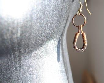 Small gift idea for women, handmade drop earrings teardrop shape in antique bronze wire, drop earrings with  hook findings