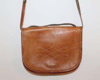 Retro Leather Saddle Bag Vintage 1970s Leather Bag Distressed Satchel Bag Cross Body Brown Women Purse Boho Handbag Gift For Girlfriend